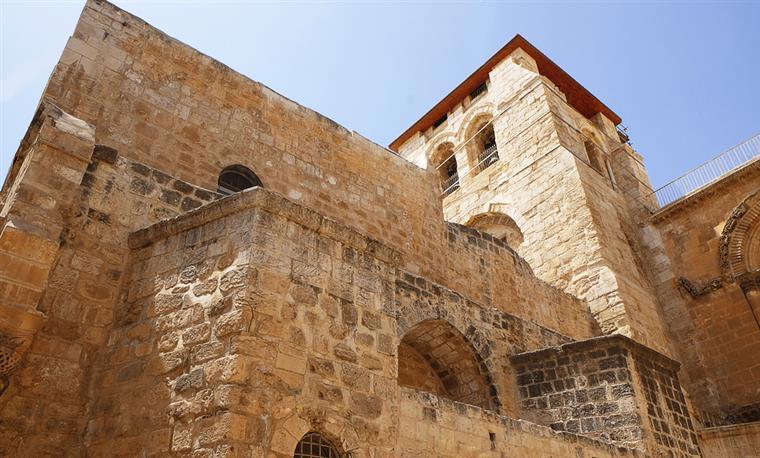 O Sepulcro de Cristo tem as primeiras obras em 200 anos