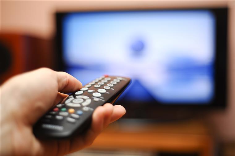 Telecomunicações: clientes obrigados  a pagar 350 euros  para não terem fidelização