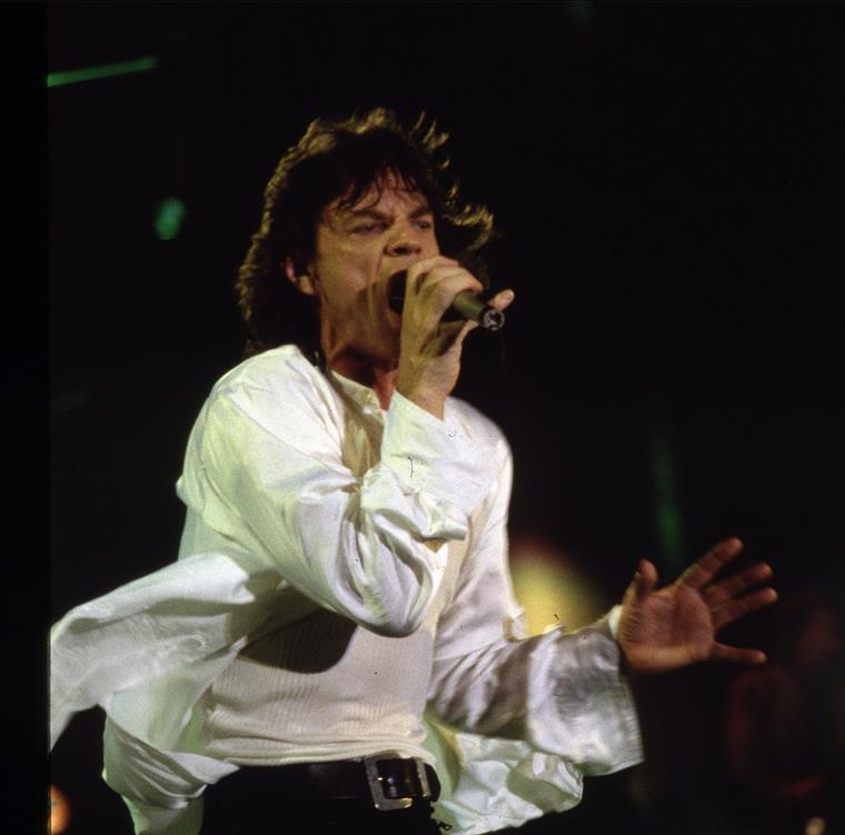 Mick Jagger oferece fortuna ao seu oitavo filho