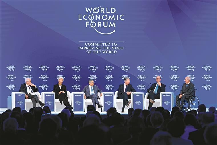 Europa. Elite mundial resume 2017 em cinco grandes riscos