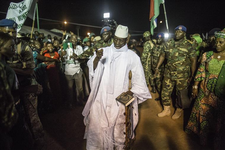Gâmbia. Jammeh esvaziou cofres antes do exílio