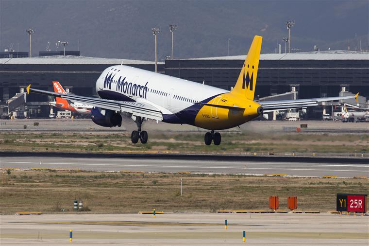 Avião faz aterragem 'não planeada' em Porto Santo